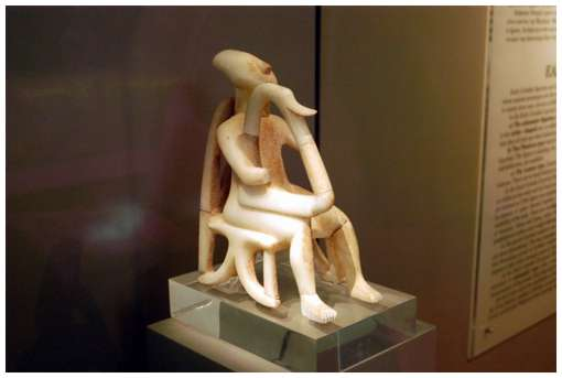 Cycladic-sculptures-2