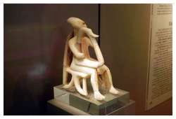 Cycladic-sculptures