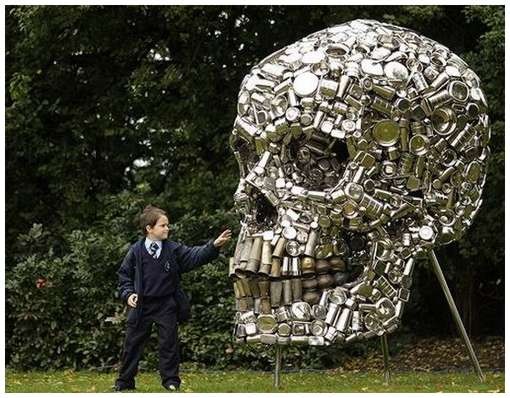 Skull-Sculpture-by-Subodh-Gupta-1