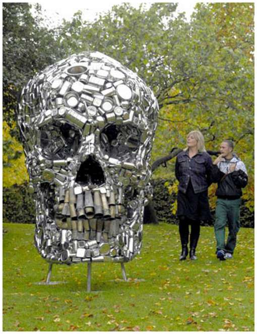 Skull-Sculpture-by-Subodh-Gupta-4