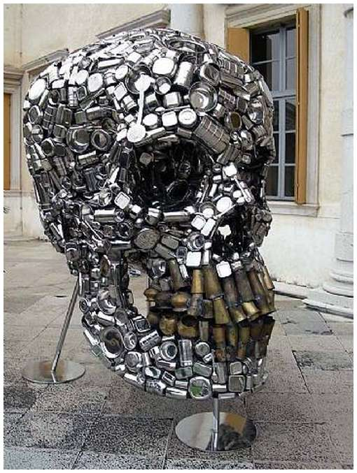 Skull-Sculpture-by-Subodh-Gupta-5