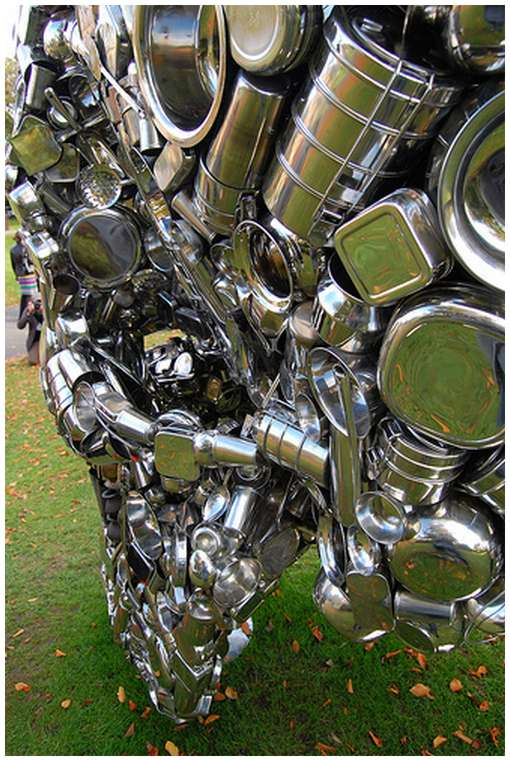 Skull-Sculpture-by-Subodh-Gupta-6