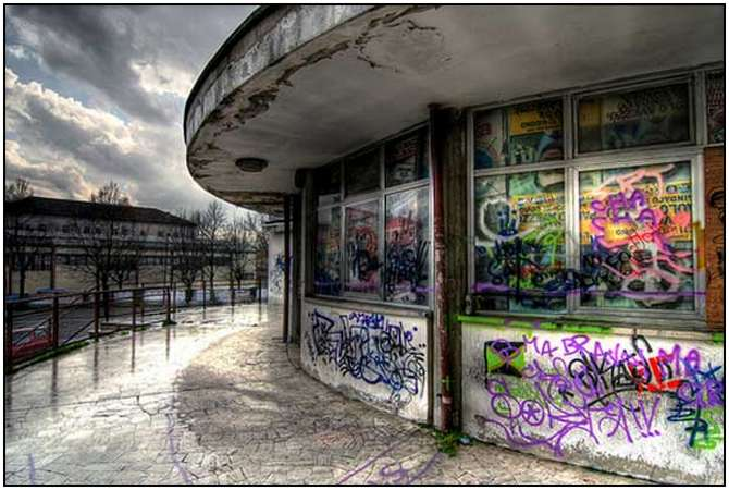 Abandoned-Buildings-16