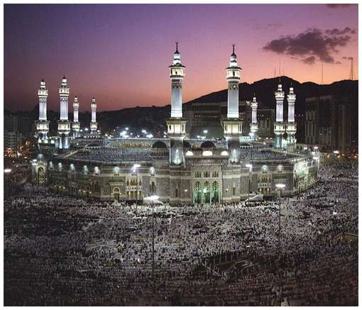 Most-Magnificent-Mosques-in-the-World-2