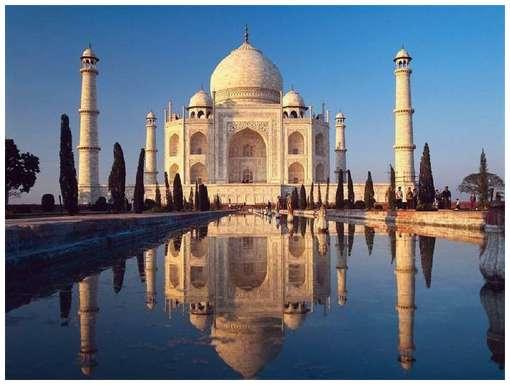 About Taj Mahal in Hindi-language