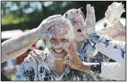 World-Custard-Pie-Throwing-Championship-6